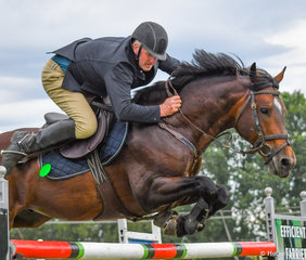 Brett Clarke and GH Blossoms Little Brother were the winners of the final class of the weekend, the GH Mechanical 1.35m. They also finished 2nd in the Helen Slater 1.25m on day 1