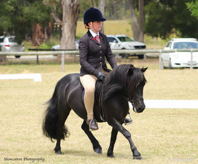 Ella Hole rode Kaitlyn Wishart's Edgewood Rodney who won the class for Open Pony 12hh and Under.