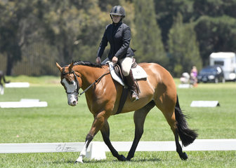 KLI Temperence and Kate Mawson in Youth Hunter Under Saddle