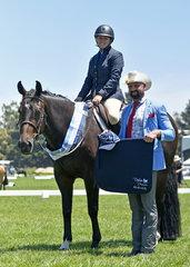 Dollys Dream Hunter Under Saddle winner: Kayla Senior and Somethingelsetodreamabout with Judge Mr Craig Rath