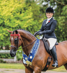 Maddy Tabak and her lovely big thoroughbred mare M.T Florence had great success in the Racing Victoria classes winning the OTT Newcomer title & finished a credible fourth in the open OTT ridden class with over 50 entries.