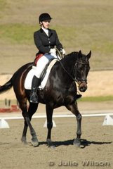 Basia Ruszkiewicz from SA rode Fitzwilliam D'Arcy in the Capricorn Feed Bins Preliminary 1.3 to score 64.4%.