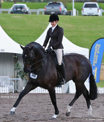 """Syenna Vasilopoulos and """"Hollands Bend Royal Consort were the winners of the Large Hunter Hack Championship."""
