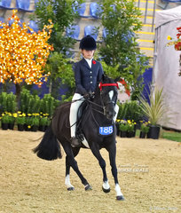Working out in the MELBROCK PARK Rider 9 & under 12 years event is Abbi Schaefer from South Australia.
