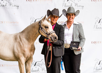 National Champion Weanling Filly, It Started With A Kiss, with Michelle Garratt & Taya Hills.
