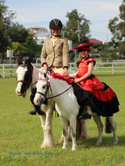 Elisha Scarlet Cantwell and daughter Violet  had a win in the Fancy Dress