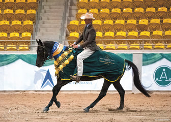 Adam Wallen and Doongara Delight owned by Holly Nastasi won the National Futurity Series.