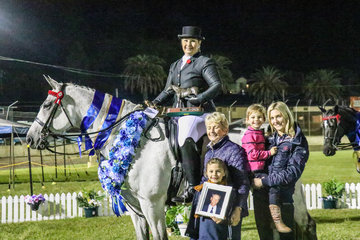 Brooke Talbot and Jazzabelle winning the Amateur Challenge