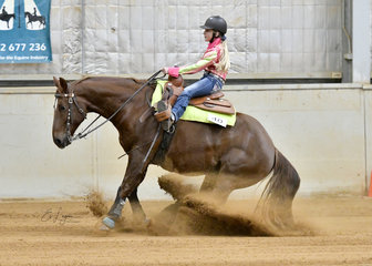 Ellie McDonald riding Termite Grounded