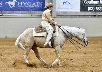Robyn Ross  riding Hustlin For Chicks