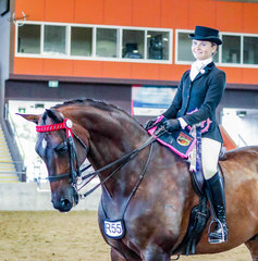 All the way from South Australia, Kate Kyros debuted in her First Lady Rider onboard Federer, to be declared the unanimous Champion of East Coast Equine Constructions Rider 17-21 yrs