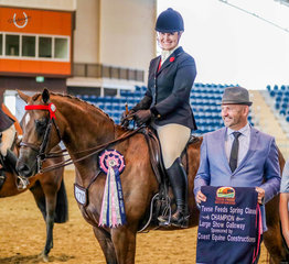 The East Coast Equine Constructions Large Open Galloway Championship went to the new, yet rapidly formidable duo Kolbeach Hollys Knowing & Kirsty Harper-Purcell