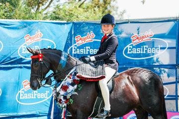 Amelia Waller & Sheldene Strauss Champion Childs Large Galloway