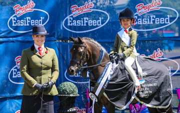 Berywn Swallow and Cleo Valentine Duncan for runner up in the leading rein hunter pony