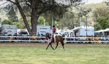Clapping from Crowd at the Allora show grounds camping site watching the supreme champion do a victory lap