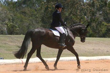 Abbey Lovell & the Australian Warmblood mare, WES Montage (Monokol x Pen Rhynhwin), in the Preliminary 1.2 Division A.