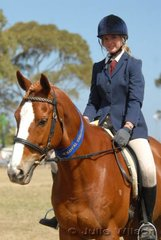 Elise Whitaker from Geelong won the District Hack over 17hh class with her 'Tobolov'.