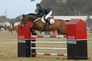 Amanda Barclay was second in the C & D AM5 riding 'It's A Worry' and third riding 'Aint Misbehavin' (pictured).