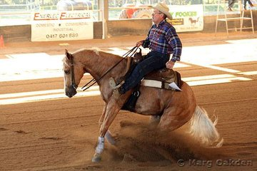 The first competitors to strut their stuff at the 2007 QRHA State Championships were Jack & Ian Kindt in the Thomas Trailers Novice Horse Non-Pro event.