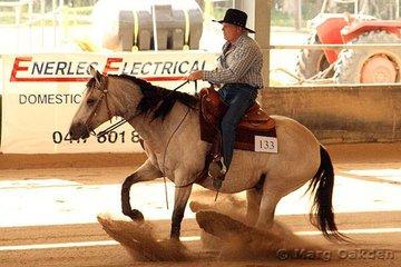 Novice Horse Non-Pro contestants, Kentucky Rein & Gavin Mutzelburg.