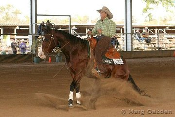 Cyril Harris Auto Spares Rookies Professional Reining competitors, Slick Chick O Lena & Sue Franks.