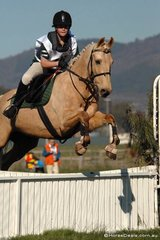 Alice Poyntz and 'Flossy' from the Kergunyah Pony Club were fourth in the grade 3 competition.