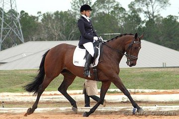 Poetry Inmotion & Tracie Ellis competing in the Medium 4.2.