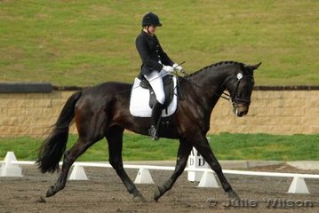 Jane Slattery rode her 17.2hh gelding, W.E.S Mondrock for second place in the 1.3 (65.80%) and third place in the the Hamag Prelinimary 1.4 with 66.80%.