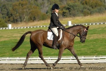 Monique Marie Middleton rode Little Paddocks Aria by Kirreway Quinton in the Equissentials Pony Novice 2.3.