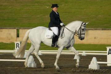 Anna Katria Lovell from Queensland rode Meridian in the Hamish Rogers Realty Advanced 5.3 and took fifth place.