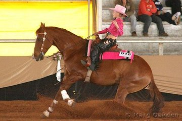 RD Freckles Spinner & Grace Cox put in a nice stop during their run in the Jackpot Rookies event.
