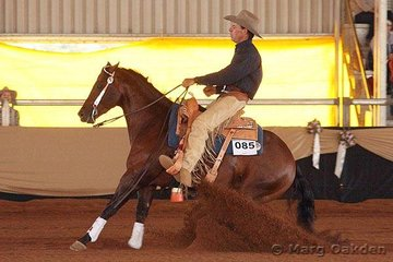 Crown K Extra Chex (Debbie Keogh) & Warren Backhouse in the first go-round of the Open Futurity at the Reining Australia Futurity & National Championships.