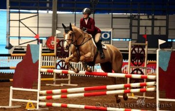 Gold Cruise & Jasmin Hunt compete in the 1.15m Welcome Stakes