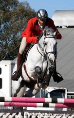 Barbarian owned by Stephanie Marsh competed in the 1.10m Under 16 points class