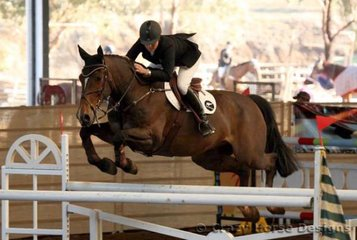 Dunstan Hairy Mc Clairy & Katie McVean (NZ) were the winners of the 1.35m Class with a clear round & time of 68.82 seconds