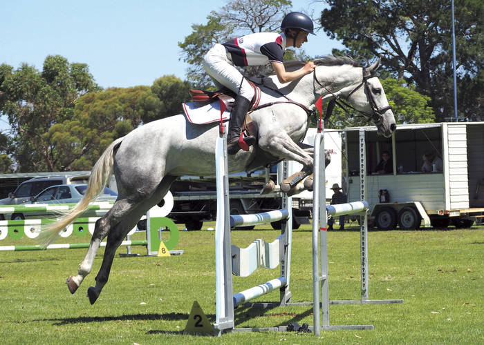Luke (17yo) riding Lilly a 16.2 8yo WB/TB mare who has only been showjumping for just on 12 months.