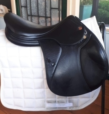 Prestige Paris D Jump Saddle | Saddlery for sale - Saddles, Tack and