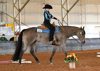 Hayley reid riding yls bodacious in rwd trail.