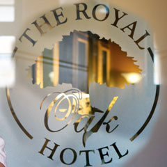 221 Restaurant & Bar @ The Royal Oak Hotel