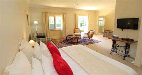 Fitzroy Inn - Historic Retreat