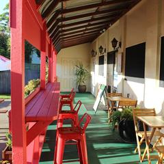 Maloneys Beach Cafe & Cellar