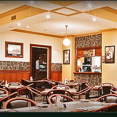 Mary Janes Restaurant at Kelly's Hotel