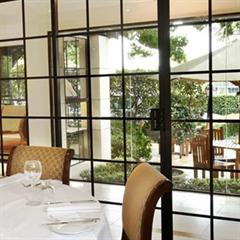 Nobles Restaurant & Bar