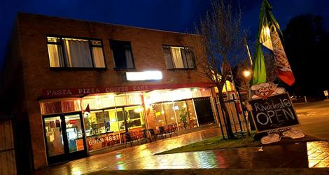 Rivadestra Pizza & Pasta