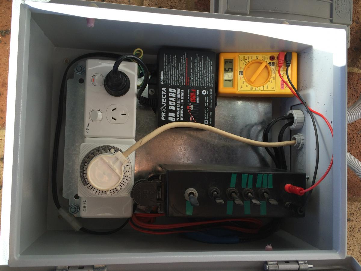Wiring in a battery charger with dual batteries. boating fishraider