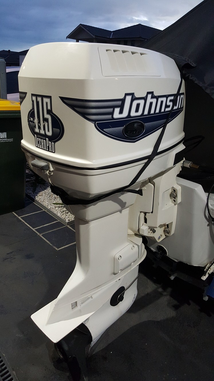 Johnson Outboard - Oil Leak - The Workshop - Fishraider