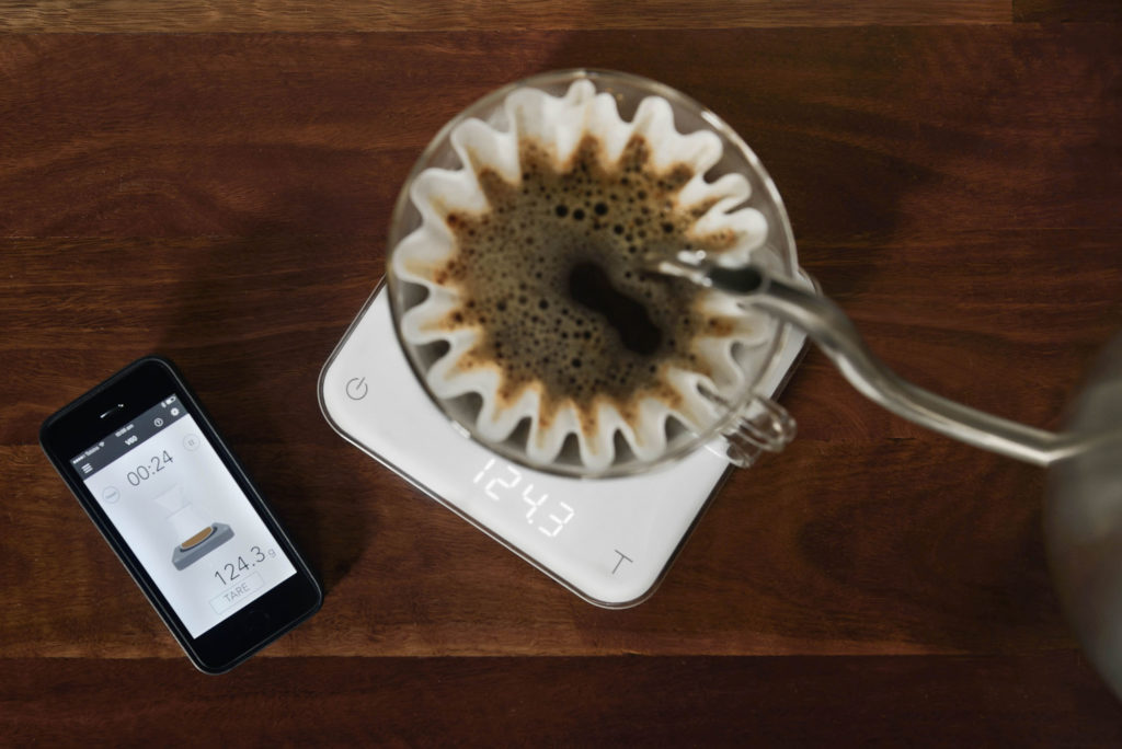 Weight is not only displayed on your Acaia scales but also bluetoothed directly to your mobile device during the brewing process