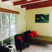 Self-contained home Holloways Beach, Coastal Queensland $175pw, Self-contained  1-br apt