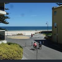 Share house Glenelg, Adelaide $240pw, Shared 2 br apartment