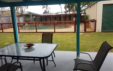 Share house Blacks Beach, Coastal Queensland $125pw, Shared 2 bedroom house